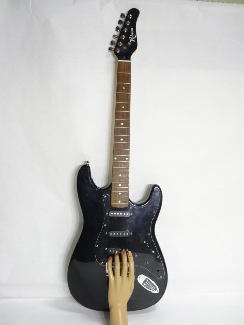 police auctions canada robson 6 string electric guitar 116494b. Black Bedroom Furniture Sets. Home Design Ideas