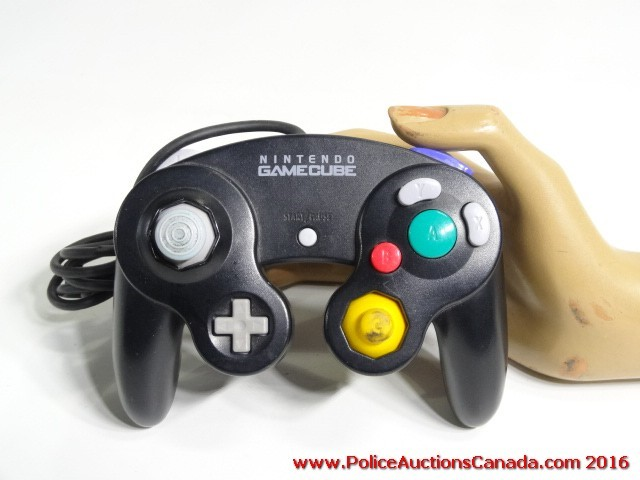 Police Auctions Canada - Wired Nintendo GameCube Controller (123471B)