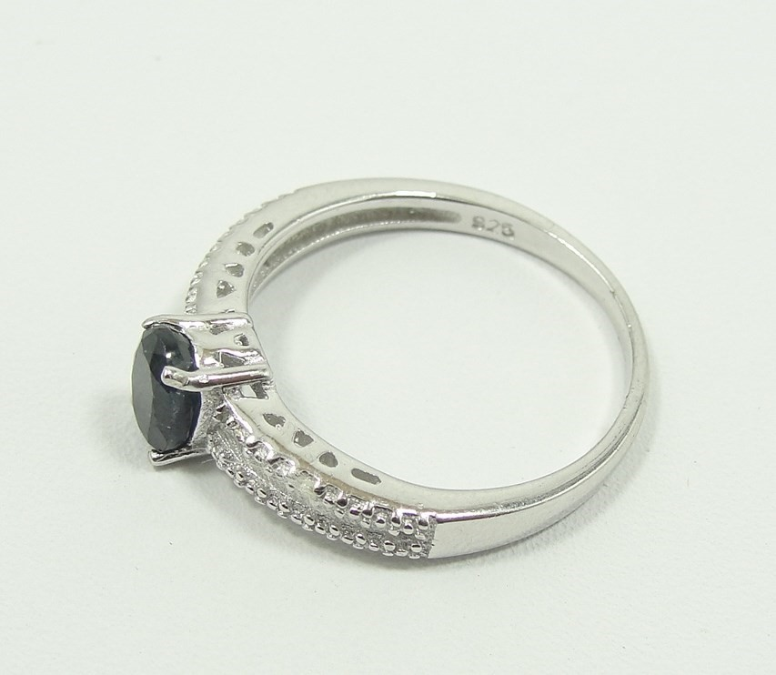 police auctions canada 925 silver ring with diamonds. Black Bedroom Furniture Sets. Home Design Ideas