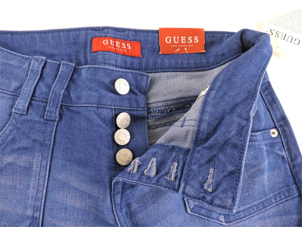 """Police Auctions Canada - Women's Guess """"Julia Baby"""" Rolled ..."""